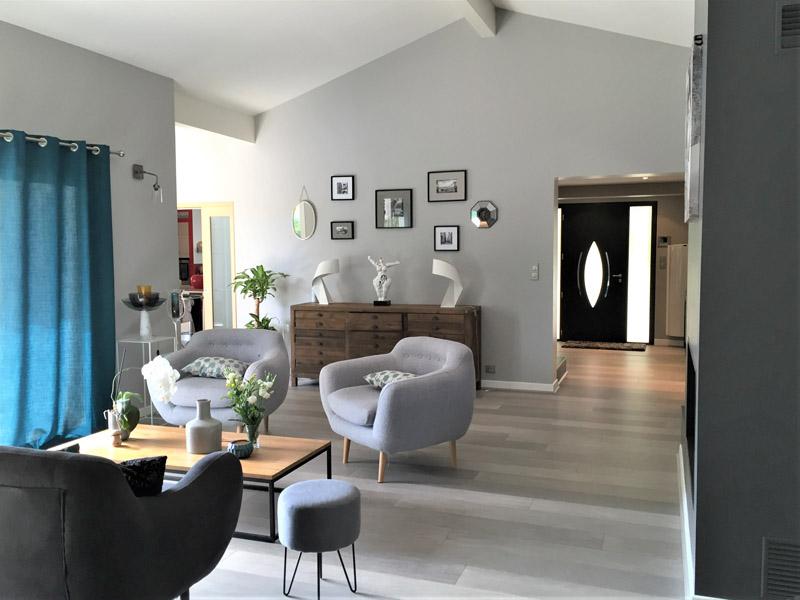 logis-conseil-maison-interieur-salon-fauteuils
